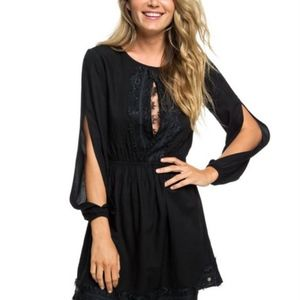 NWT Roxy Black Lace Dress Open Sleeves & Bodice S